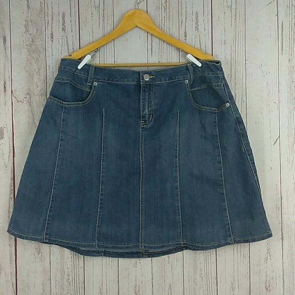 la blues Dresses & Skirts - LA Blues denim skirt sz 18W